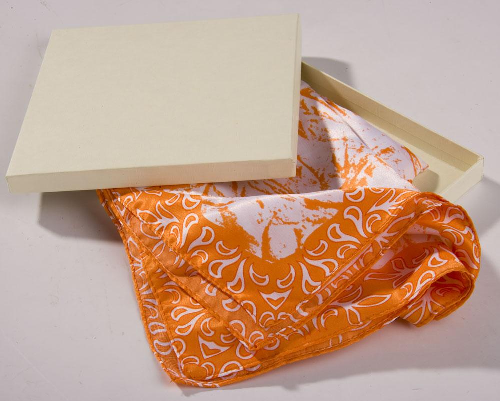 Как упаковать платок для подарка 44